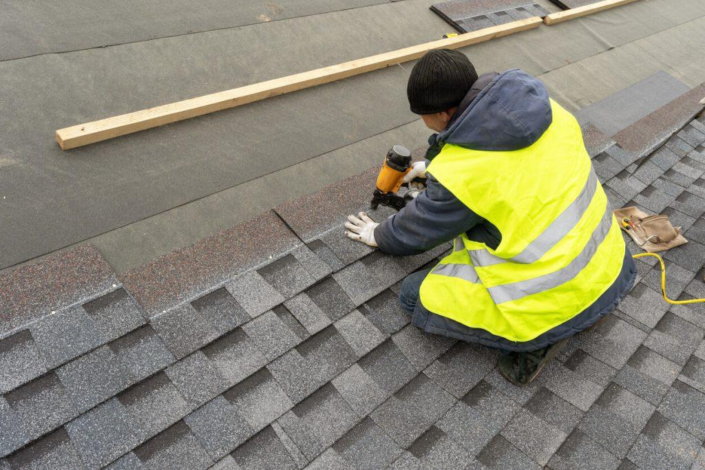 installing asphalt shingles
